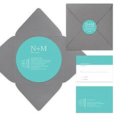 With a circular shaped invitation and a self-mailing envelope, this pocket wedding invitation is not only shapely but also classy. #weddinginvitations #peartreegreetings