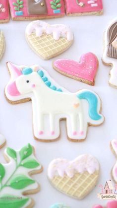 Just jumping right in and sharing these girly and whimsical princess and unicorn decorated cookies. Easy Royal Icing Recipe, Sugar Cookie Royal Icing, Sugar Cookies, Chocolate Cookies, Cut Out Cookie Recipe, Cookie Recipes, Icing Recipes, Iced Biscuits, Cookies Et Biscuits