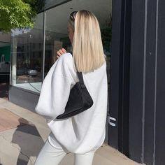 Blonde Hair Looks, Brown Blonde Hair, Baby Blonde Hair, Blonde Hair Outfits, Medium Blonde, Blonde Hairstyles, Bleached Blonde Hair, Blonde Short Hair, Beige Hair