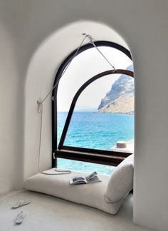 PERIVOLAS : greece  via :  http://stylishtimesandthings.blogspot.in