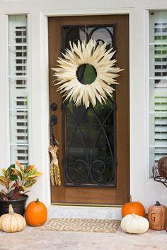 Easy Corn Husk DIY Wreath | AllFreeHolidayCrafts.com