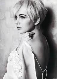 Znalezione obrazy dla zapytania short blonde hair tumblr