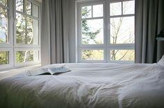 <p>SMUCKE STEED ist nicht nur ein Haus mit Geschichte, es ist vor allem eines: wunderbar entspannt, licht und leicht. Sanfte Farben, klare Formen und liebevolle Accessoires machen unsere 16 Zimmer zu einem wohligen Zuhause. Sie sind mit den besten Materialien der Natur versehen und gleichzeitig komfortabel und modern. Neben den Naturbetten von COCO-MAT gibt es […]</p>