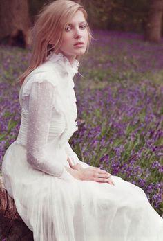 Sweet little Victorian wedding dress. Modest Wedding Gowns, Bohemian Wedding Dresses, Wedding Attire, Dress Wedding, Lace Wedding, Wedding Pics, Bridal Gowns, Vestidos Vintage, Vintage Dresses