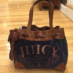 Juicy couture bag. Juicy couture bag. Lightly used great condition. Juicy Couture Bags Shoulder Bags