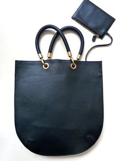 use code LABOR10 for extra 10%-25% off our entire shop through midnight tonight Flat Oblong Tote Pebble Grain Grain Leather by IMPERIO jp
