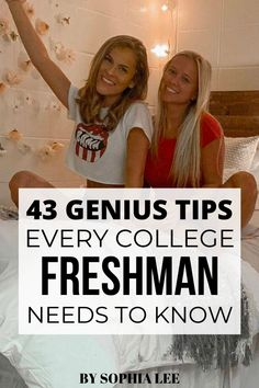 These college tips freshman need to know are soo good! My sister is about to be a freshman and I've been trying to find tips and tricks for her to read and this has everything I wanted to tell her! She feels so much more prepared now. College Freshman Tips, College Roommate, College Hacks, College Dorm Rooms, Dorm Room Setup, Boho Dorm Room, Inspiration Room, College Dorm Organization, College Quotes