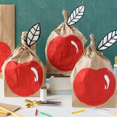 An adorable way to send your kid off to school. Make an apple lunch sack…