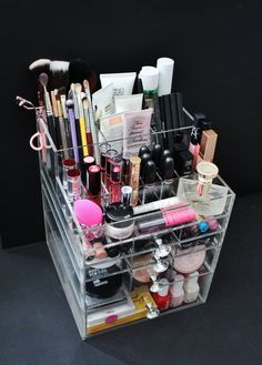 Clear Acrylic Makeup Organizer GlitzBox ALL-IN-ONE Brush Holder and Lipstick Holder Vanity Cosmetic Storage Beauty Drawer BeautyFill Box Makeup Guide, Makeup Geek, Diy Makeup, Cute Makeup, Cosmetic Storage, Makeup Storage, Makeup Organization, Cosmetic Case, Hanging Makeup Organizer