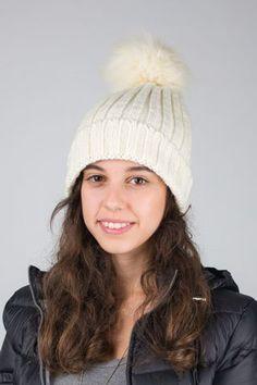 Cappello a maglia inglese con pon-pon. http://www.brendatelier.it/prodotto.asp?st=autunno_inverno_2014-15&tag=cappello_pon-pon_maglia_inglese__AL-CA233&col=panna&lang=it