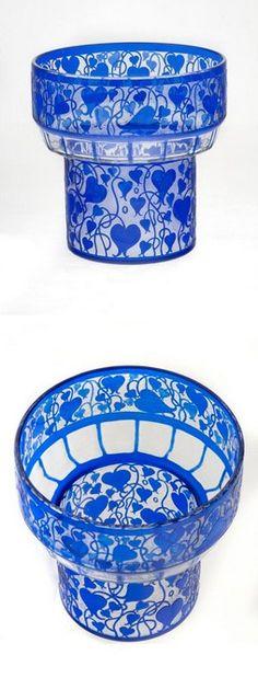 Made by Johann Lötz Witwe. Cut Glass, Glass Art, Bohemia Glass, Antique Bottles, Love Blue, Carnival Glass, Cobalt Blue, Tango, Shades Of Blue