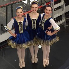 maddie ziegler en pointe with kendall and an aldc dancer. Credit ♥Dancemoms luver♥