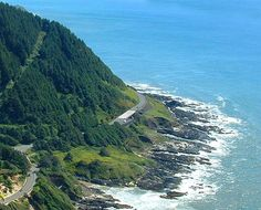 This is a breathtaking 110 mile drive through resorts, picturesque oceanside communities, and forests along the Pacific Coastline (Oregon)