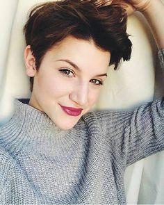 Disse er de mest smukke korte frisurer for vinteren 2016. Hvilken en tror du er den smukkeste?! Log ind med din Facebook-konto og nyde rabat lige med det samme! 70% rabat på toppen mærker i Zalando Lounge