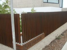 Corcorans The Metal Fabricators - Clovely Corten Fencing Modern Landscaping, Outdoor Landscaping, Landscape Walls, Landscape Design, Compound Wall, Fence Screening, Boundary Walls, Steel Fence, Front Fence