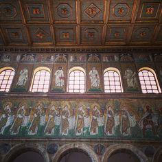 Basilique de St Appolinaire Nuovo - Instagram by @carnetdescapade