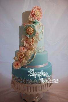 Vintage Rosette wedding cake - Not the best photo as one of my studio lights broke!