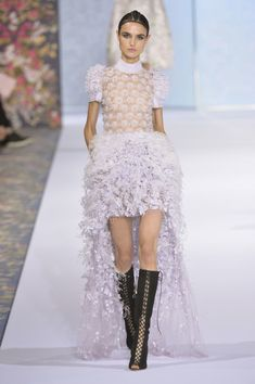Ralph & Russo at Couture Fall 2016 - Runway Photos
