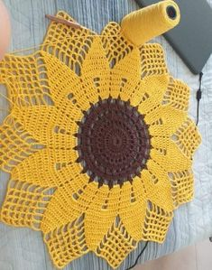 Crochet Dollies, Crochet Doily Patterns, Crochet Squares, Thread Crochet, Filet Crochet, Crochet Motif, Crochet Designs, Crochet Stitches, Knitting Patterns