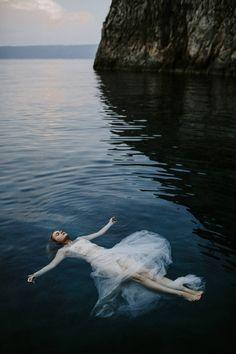 Couples and Weddings - Pinewood Weddings Underwater Wedding, Legendary Creature, Couple Shoot, Wedding Portraits, Creatures, Sea, Explore, Weddings, World