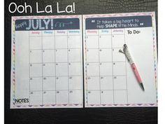 3 Teacher Chicks: Your Free Planning Calendar Has Arrived! Teacher Planner Free, Teacher Freebies, Teacher Binder, Teacher Organization, Teacher Resources, Teacher Calendar, Classroom Resources, Teacher Stuff, School Diary