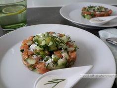 Tartaar van zalm met pittige mayonaise | Koolhydraatarm Recept .nl High Tea, Bruschetta, Lunches, Baked Potato, Main Dishes, Healthy Lifestyle, Cabbage, Easy Meals, Low Carb