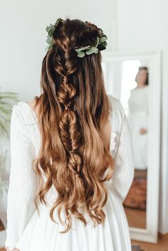 Bridal Hair Inspiration // Genuine and Intimate Wedding Styling in Europe // Merve & Nils Intimate Wedding // Wedding Stylist, Floral Design