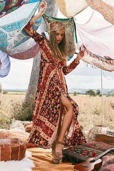 Long Sleeve Vintage Holiday Style Bohemian Long Maxi Dress boho shopping beautiful love style cute shopforselection happy bohemiastyle look 715720565755660397 Boho Gypsy, Gypsy Style, Hippie Boho, Le Style Hippie Moderne, Modern Hippie Style, Modern Gypsy, Bohemian Lifestyle, Bohemian Mode, Bohemian Style