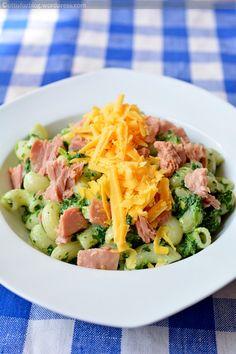 Pasta Salad, Cobb Salad, Steak, Ravioli, Ethnic Recipes, Food, Crab Pasta Salad, Essen, Steaks