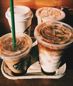 Poll time: Do you like the pumpkin spiced latte (iced or hot) from Starbucks? I personally don't,… – jimp-batch Copo Starbucks, Bebidas Do Starbucks, Starbucks Drinks, Coffee Date, Iced Coffee, Coffee Drinks, Cappuccino Coffee, Coffee Americano, Coffee Creamer