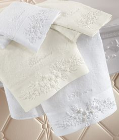 Blumarine Home Collection  Bath Linens Luxury Bed Sheets, Luxury Towels, Textiles, Linens And Lace, Bath Linens, Bathroom Towels, Elegant Homes, Bath Decor, Bath Accessories