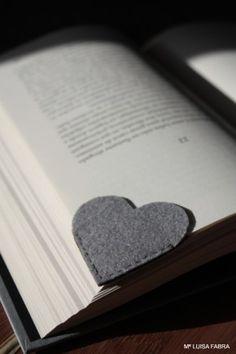 Boekenlegger in de vorm van een hartje
