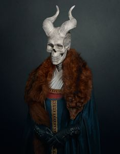 travis durden sees six infamous villains as lifeless skulls Photo Sculpture, Sculpture Art, Sculptures, Dracula, Predator, Statues, The Originals Characters, Fictional Characters, Statue Antique