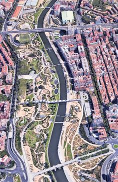 Aerial view of Madrid Rio, prize Harvard University for sustainable urban spaces. Madrid Spain