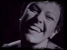"""a inesquecível elis regina e uma das melhoes composições de um grande mestre da música brasileira, tom jobim... ..."""" a promessa de vida no teu coração """"... >>> betomelodia - música e arte brasileira: Águas de Março, Elis Regina"""