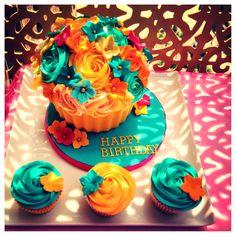 LPJCupcakes Creations - Giant Cupcake set - order@littlepiecesofjoy.com