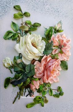 Rose quadro ricamato con nastro ribbonembroidery ribbon