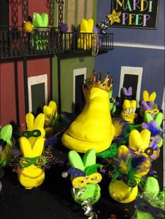 Our fourth annual Washington Post Peeps Diorama Contest drew more than sugar-inspired entries. Easter Crafts, Crafts For Kids, Peep Show, Marshmallow Treats, Easter Peeps, Easter Weekend, Mardi Gras, Louisiana, Food Art
