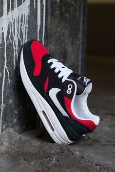 Preview: Nike Air Max 1 GS | Black, White & Uni Red