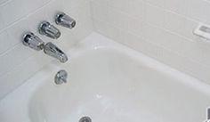 badkamertegels oververven met witte kleuren