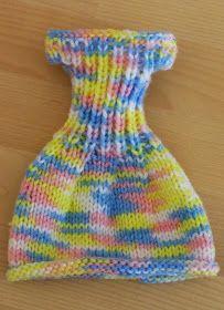 """Lammily a une nouvelle robe ! Notre poupée """"normale"""" (voir ici ) est ravie !       Celle-ci est multicolore et rapide à réaliser.       Four..."""