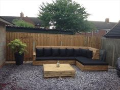 There are many people who want to decor their outdoor areas and have a perfect sitting place. If you are one of those people then this awesome pallet corner couch with a table is perfect to fulfill your needs. Put a black mattress and black cushions on this couch and make it lovelier.