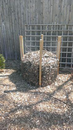 Chicken wire compost bin at bbg