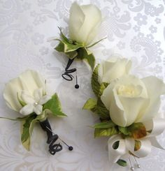 Delicate coursage with silver and pearls