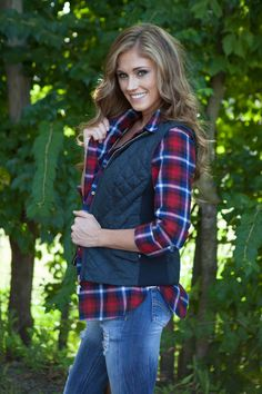 New England Faux Fur Lined Quilted Zip Vest - Navy - Magnolia Boutique