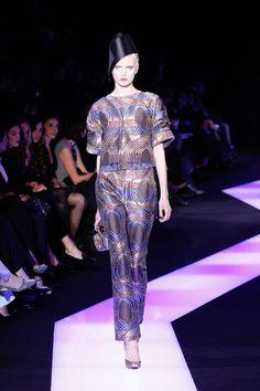 Défilé Giorgio #Armani Privé : Haute Couture PE 2013 #purple #satin