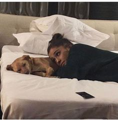 "Ariana Grande's Dog Becomes Her First ""Dangerous Woman Tour"" VIP Guest – oceanup… Ariana Grande Fotos, Ariana Grande Style, Ariana Grande Outfits 2017, Ariana Grande Wallpaper, Cat Valentine, Light Of My Life, Toulouse, My Idol, Superstar"