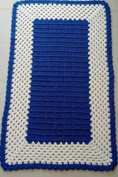 Tapetes quadrados Crochet Granny, Baby Blanket Crochet, Crochet Doilies, Crochet Baby, Crochet Top, Crochet Rugs, Crochet Crafts, Crochet Projects, Crochet Designs