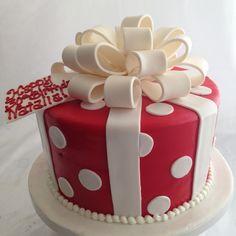 round gift box cake (2744) | www.asweetdesign.info 818-363-9… | Flickr