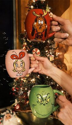 Christmas mugs, the Grinch Christmas Cup, Merry Little Christmas, Winter Christmas, All Things Christmas, Christmas Pictures, Christmas Bulbs, Christmas Gifts, Christmas Decorations, Christmas Cookies